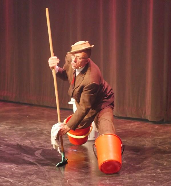 Lars Vik som Fritjof Fomlesen.